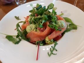 KokenaandeMarkt Salat mit rohem Lachs